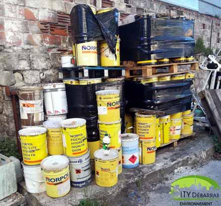 Débarras/collecte de déchets dangereux
